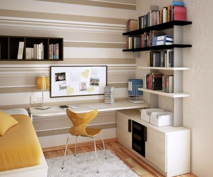 """Caso você opte por montar seu Home Office em seu quarto, a disciplina da organização é mais importante ainda. Momento """"quarto"""" e momento """"escritório"""" devem ser como água e óleo. Não se misturam NUNCA."""